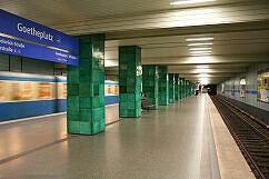 Goetheplatz mit ausfahrendem A-Wagen