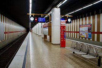 A-Zug im U-Bahnhof Maillingerstraße