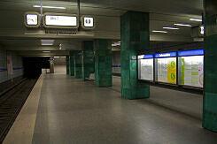 U-Bahnhof Goetheplatz noch mit alten Zugzielanzeigern
