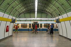 A-Wagen im U-Bahnhof Odeonsplatz