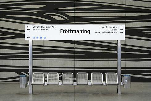 Stationsschild Fröttmaning