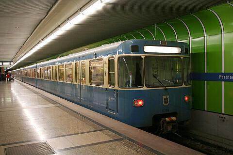 A-Wagen 364 am Partnachplatz