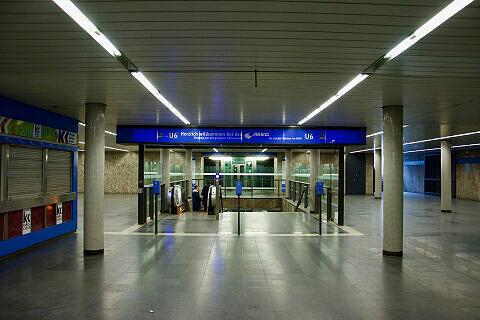 Südliches Sperrengeschoss am U-Bahnhof Dietlindenstraße