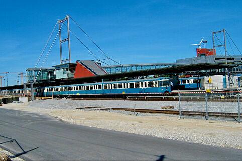 Alter Bahnhof Fröttmaning mit wartendem A-Wagen