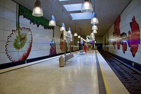 Neues Beschilderungskonzept am Bahnhof Moosach