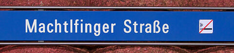 Stationsschild Machtlfinger Straße