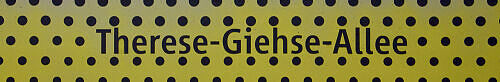 Stationsschild Therese-Giehse-Allee